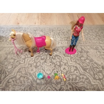 Barbie i konik Tawny BJX85