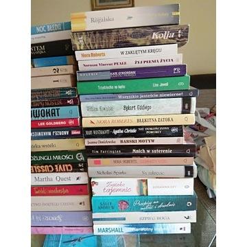 Zestaw różnych książek betelerystyka