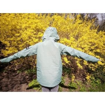 kurtka; bluza sportowa wodoodporna; wiatrówka; eco