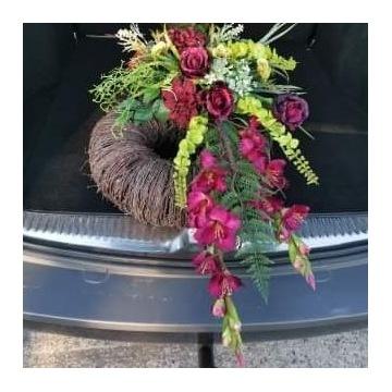 Stroik. Kompozycja nagrobna +GRATIS kwiaty wazonu
