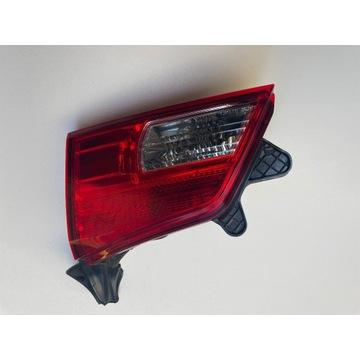Subaru Outback IV lampa prawy tył w klapie ideał