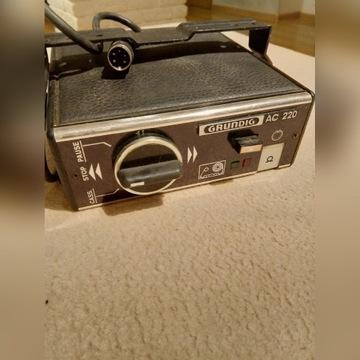 GRUNDUG AC220 magnetofon samochodowy, nagrywarka