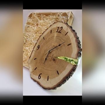 Piękny duży zegar dębowy