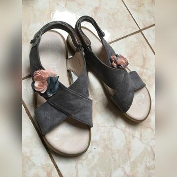 Sandałki Ccc r.36