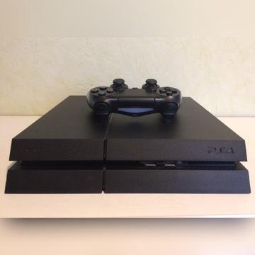 PlayStation 4 stan bardzo dobry + 2 gry GRATIS