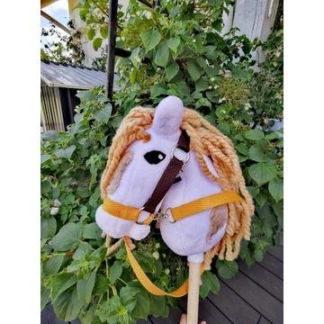 Koń Hobby Horse na kijku - Pixie