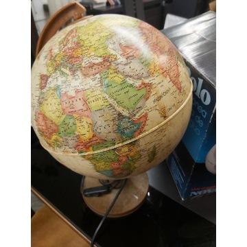 Globus podświetlany w języku rosyjskim