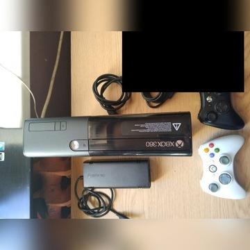 Konsola Xbox 360, 2xPAD, pudełko, kable, gryr