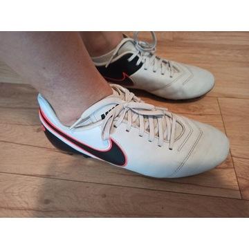 Korki Nike Tiempo  rozmiar 42