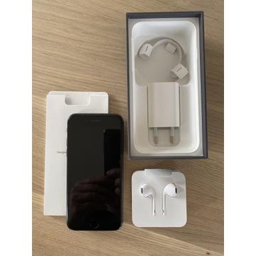 iPhone 8, Space Gray, 256GB, nowe słuchawki, 1 wł.