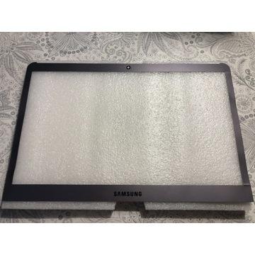 Ramka matrycy Samsung NP530U3B