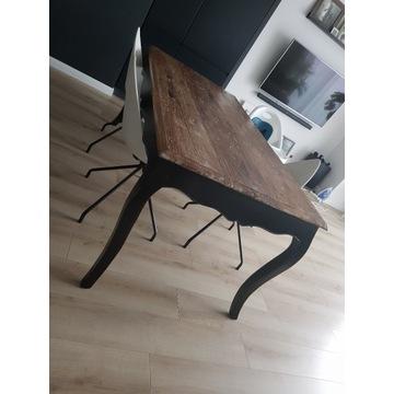 Stół drewniany stylizowany