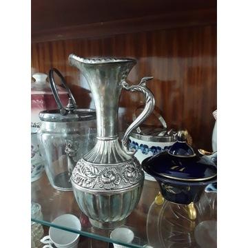 Dzban srebrny z uchwytem w kształcie  smoka