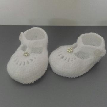 Buciki szydełkowe białe chrzest
