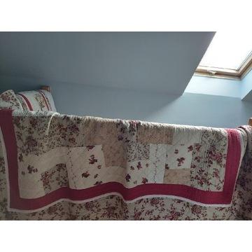 Narzuta I 2 poszewki  na łóżko