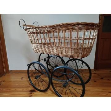 Wiklinowy wózek dziecięcy