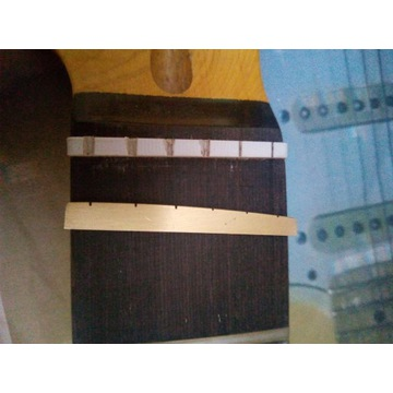 siodelko 42 43 mosiezne gryf gitara