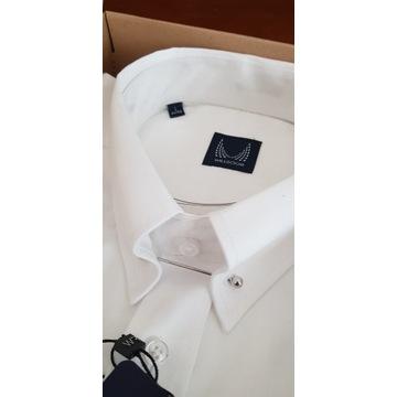 Koszula z kołnierzykiem pin-collar.