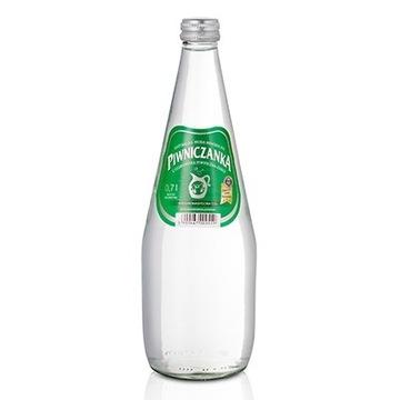 PIWNICZANKA Woda mineralna średnionasycona CO2 700