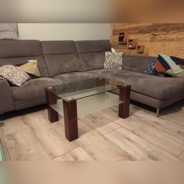 Stolik stół szklany z drewnianymi nogami