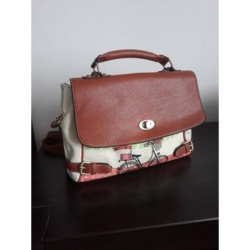 torebka z dopinanym paskiem, stylowa