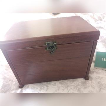 Drewniana szkatułka kuferek kasetka
