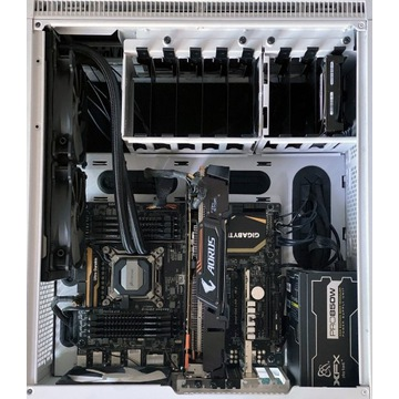 komputer i7 6850K 128 GB RAM GF 1080 Ti NVMe + HDD