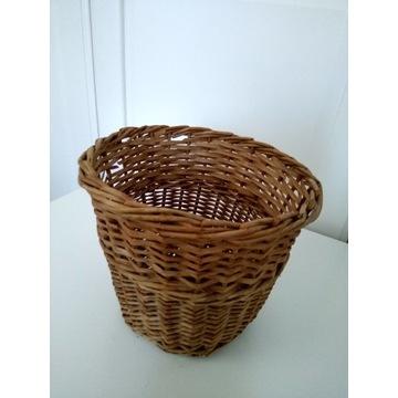 Koszyk z wikliny lub doniczka
