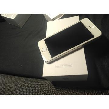 Srebno biały iPhone 5s komplet 16 GB sprawny