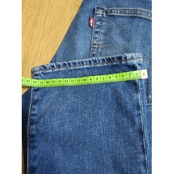 Levi`s spodnie 501