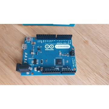 Oryginalny Arduino Leonardo A000057 + dodatki