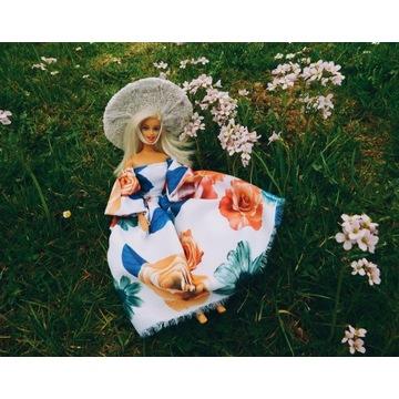 Długa sukienka ubranko dla lalki i kapelusz