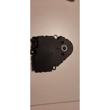 Silnkczek nagrzewnicy ML W163 3.2 Nr 1638200108