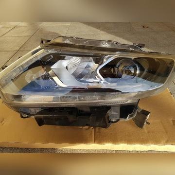 Lampa lewy przód Xenon Nissan X-trail T-32