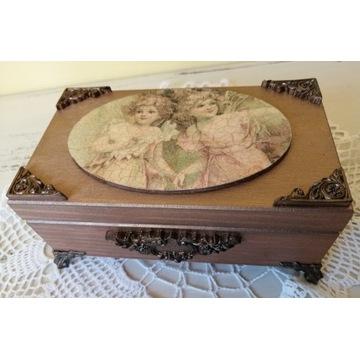 Szkatułka, zdobione pudełko na drobiazgi, prezent