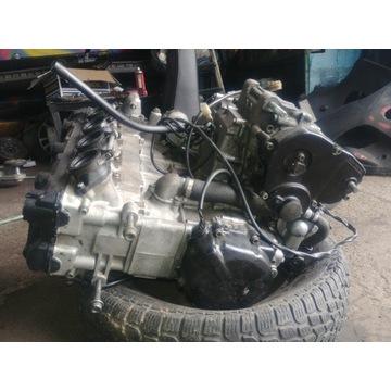 Suzuki GSX-R gsxr 600 srad silnik