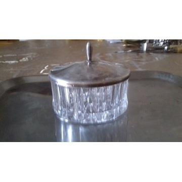 cukierniczka  z posrebrzaną pokrywką