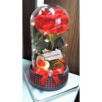 Róża w kloszu z oświetleniem i dowolną dedykacją