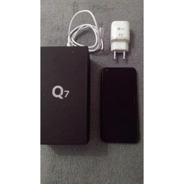 LG Q7 3/32 GB + dodatki