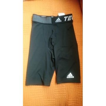Spodenki termoaktywne Adidas Techfit roz.140