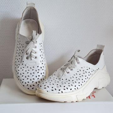 Sneakersy skórzane 39