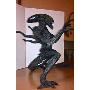 Figurka - Obcy (Alien vs Predator) - (+ - 28 cm)
