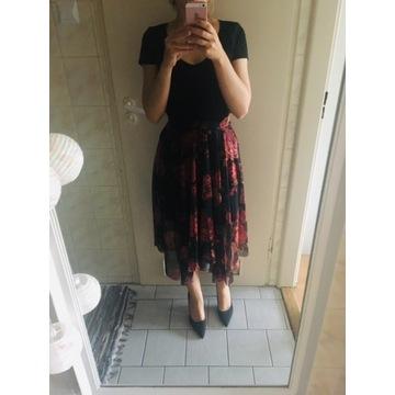 Piękna spódnica New Look midi XS