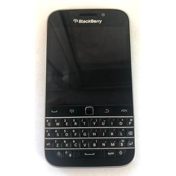 BlackBerry Classic czarny 16 GB QWERTY