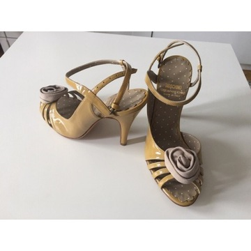 buty vintage Moschino Cheap & Chic