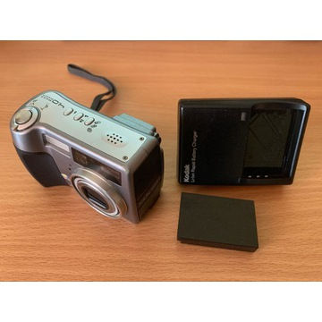 Cyfrowy aparat KODAK EasyShare DX7440 - uszkodzony