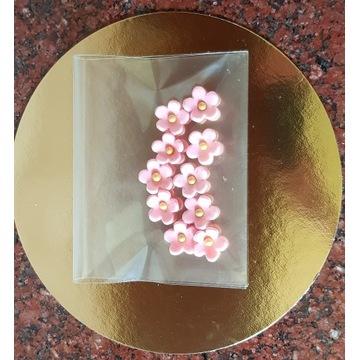 Kwiaty, dekoracja na tort z masy cukrowej,