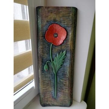 Płaskorzeźba w drewnie, czerwony mak, rekodzieło