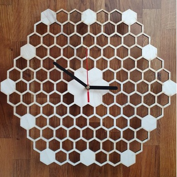 Drewniany zegar ścienny plaster miodu. Handmade.