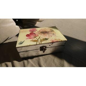 Szkatułka na biżuterię pudełko ozdobne w kwiaty